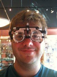 wada wzroku, mężczyzna w okularach