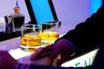 szklanki z alkoholem